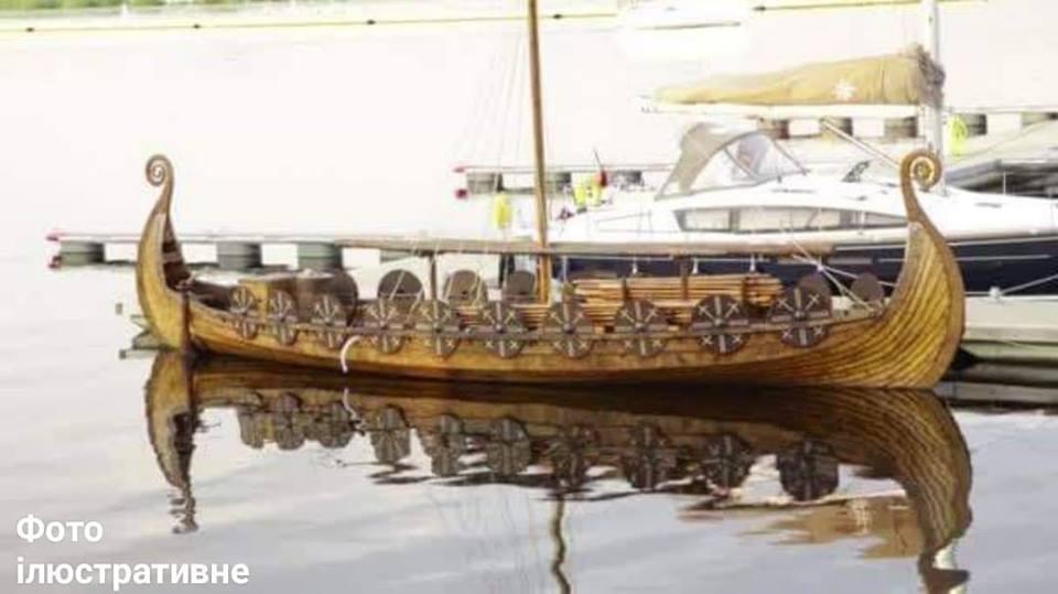 На міському озері Франківська плаватиме корабель вікінгів