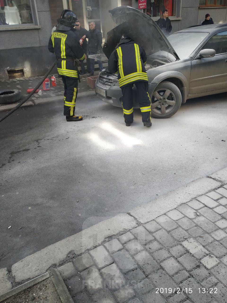 Пожежа автомобіля на вулиці Драгоманова