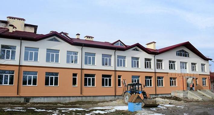 Нова школа в Хриплині