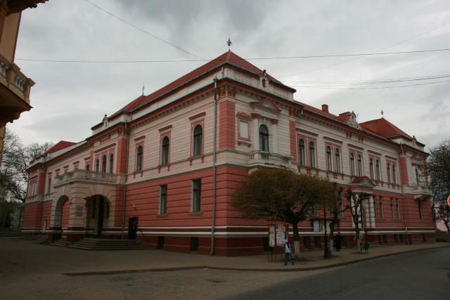 У Коломиї відремонтують залу Народного дому