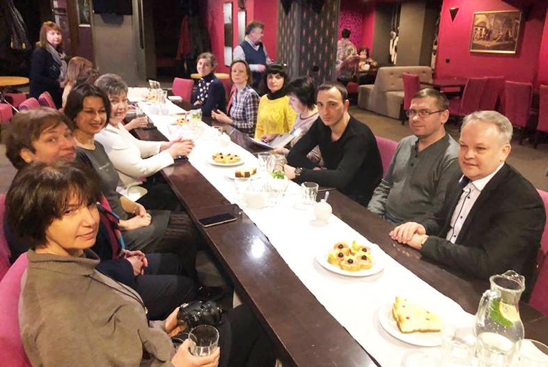 За круглим столом із прикарпатськими журналістами