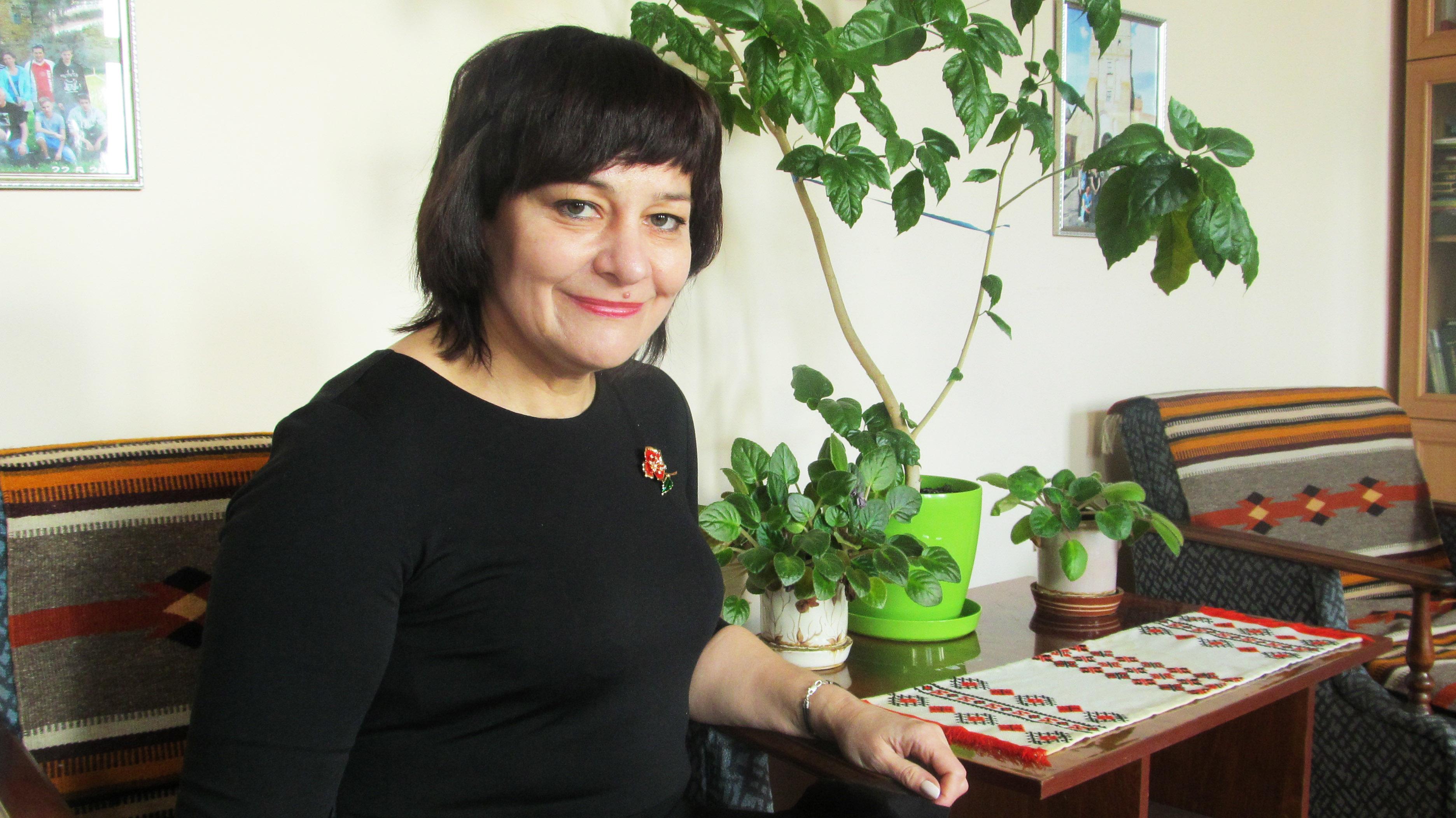 : Наталія Баницька під час презентації своєї дебютної поетичної збірки у «Галичині»