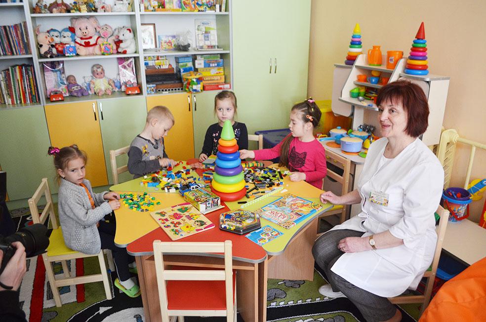 Заняття в центрі раннього розвитку дитини в ОДКЛ