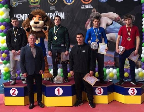 Коломиянин здобув перемогу на чемпіонаті України з вільної боротьби серед кадетів