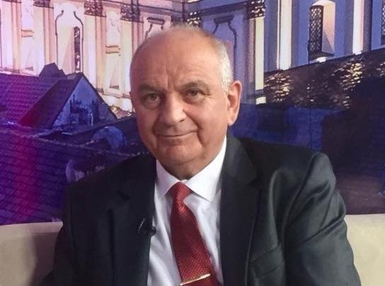 Мер Тисмениці знявся з виборів на користь кандидата Михайла Довбенка