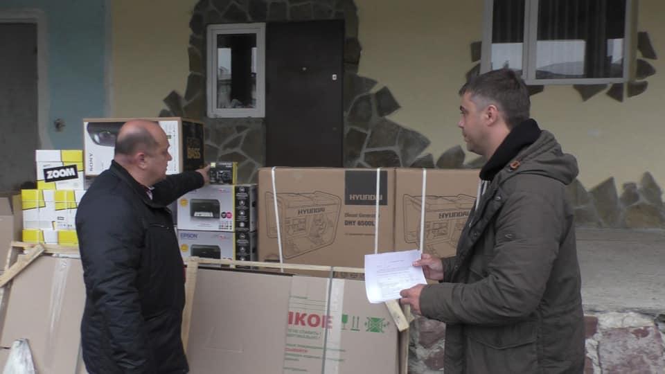 Долинська міськрада передала обладнання для військових (фотофакт)