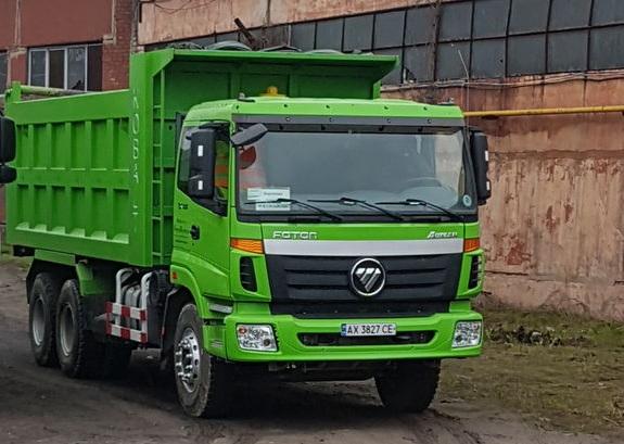 Брошнів-Осадська ОТГ придбала сміттєвоз та ватажівку
