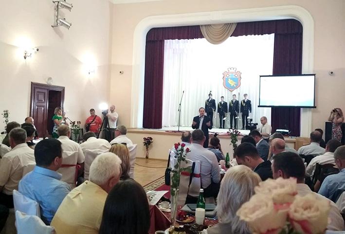Руслан Марцінків відкриває  Форум представників органів місцевого самоврядування Прикарпаття «Сила громад – в єдності»