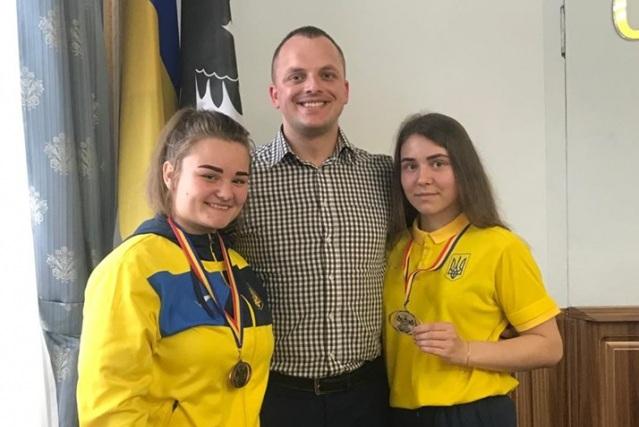 У Франківську відзначили боксерок, які здобули нагороди на юніорському чемпіонаті Європи