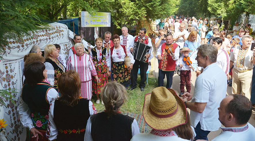 Міністр Ігор Насалик завітав на фольклорне подвір'я с. Світанок