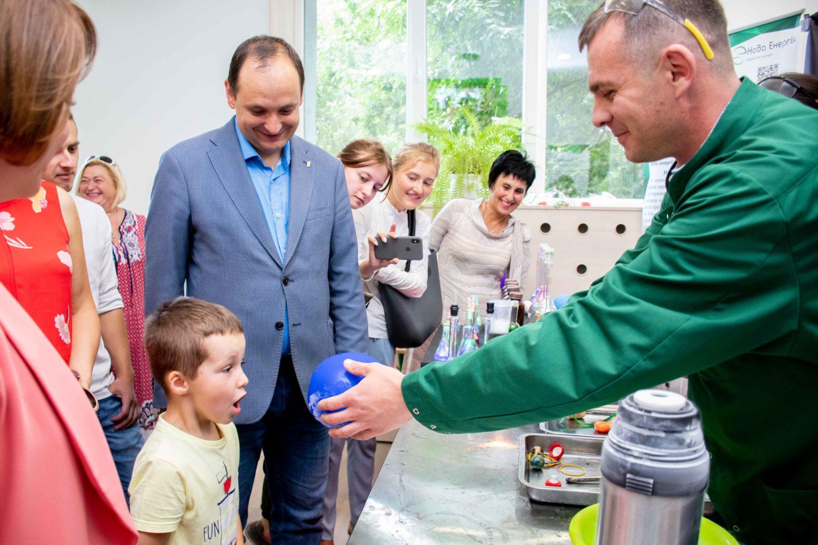 В Івано-Франківську відкрили центр освітніх інновацій (фоторепортаж)