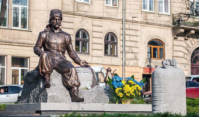 Пам'ятник Ю. Кульчицькому у Львові, встановлений 2013 р.