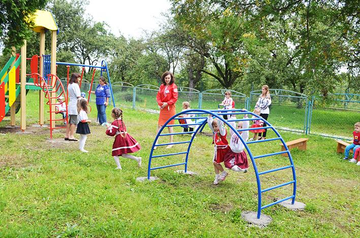 Дитячий майданчик - улюблене місце вихованців закладу