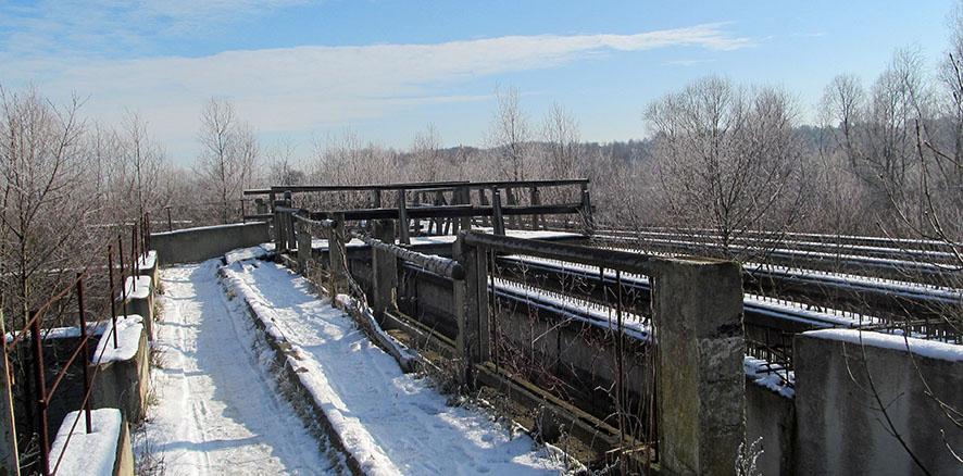 Міст-довгобуд через ріку Сівку.