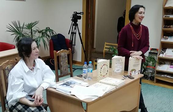 Оксана Антонова та Наталія Гресько під час презентації