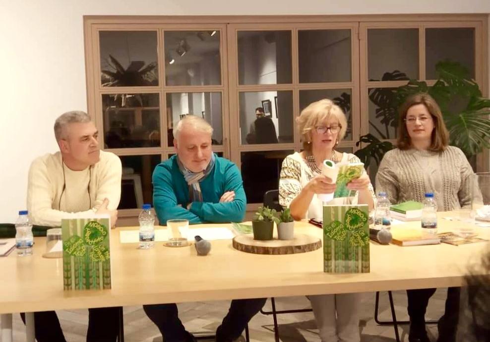 Під час презентації - (зліва – направо) Тоньо Нуньєс, Хосе Карлос, Ольга Глапшун, Марія Хар
