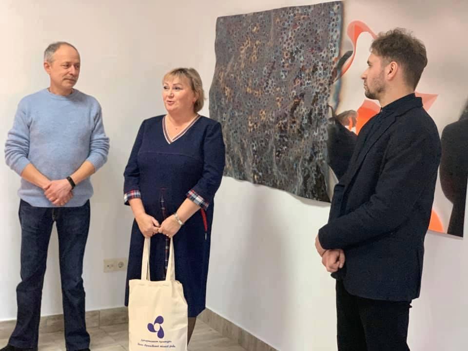 Під час відкриття виставки металевої пластики «Фрагменти» Петра Грицюка