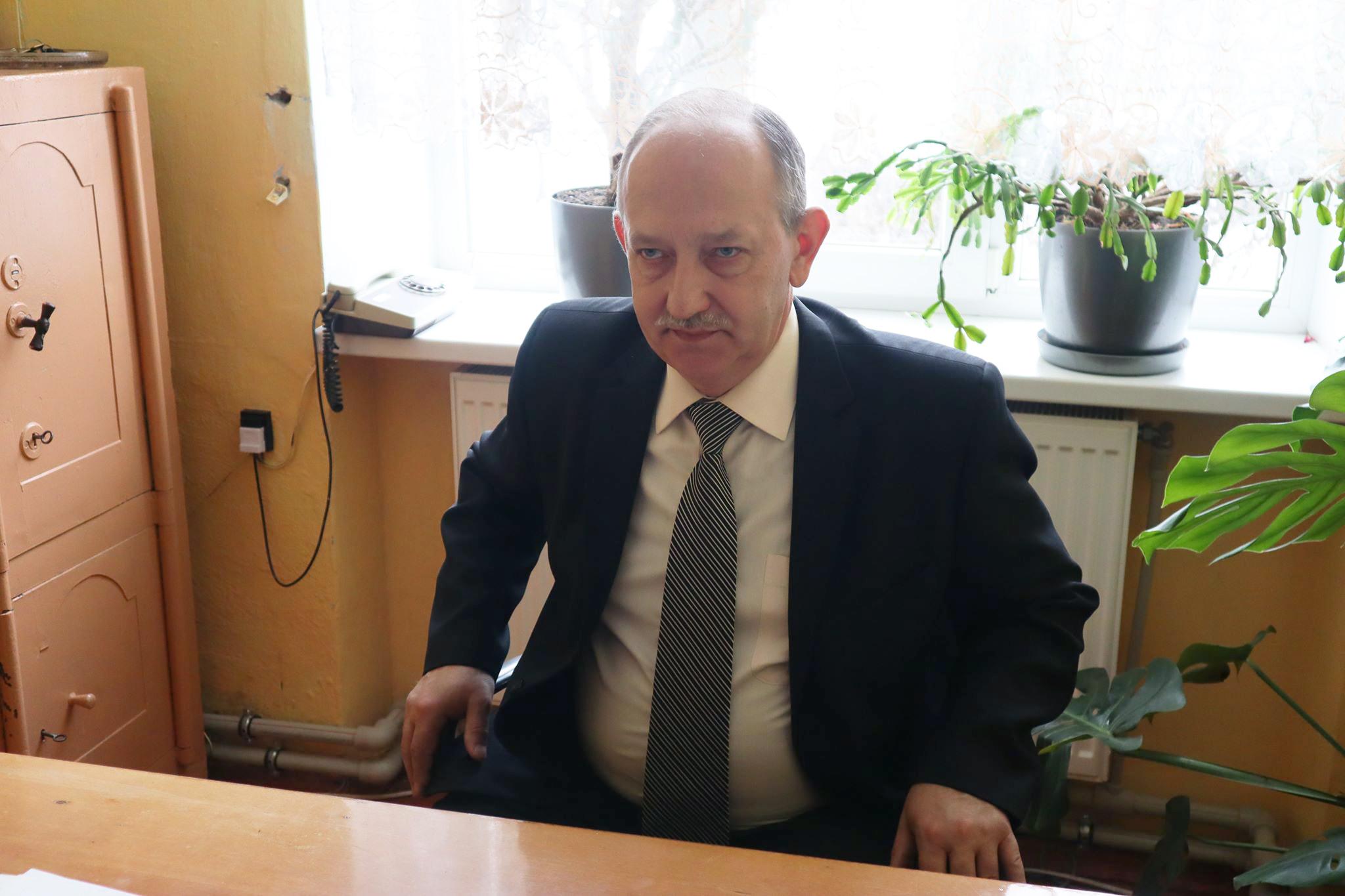 Директор Олешанського ліцею Ярослав Головатий.