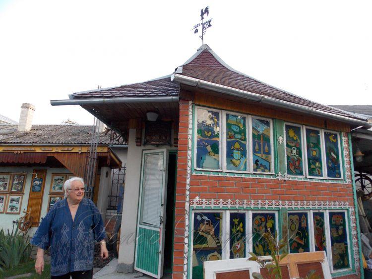 Дивовижний музей родинних професій журналіста та його господар.
