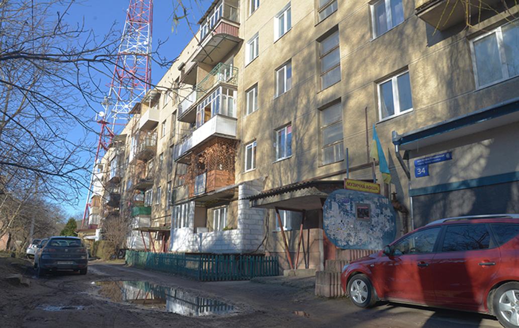 Те, що сталося з тепломережею в будинку №34 на вулиці Євгена Коновальця в Івано-Франківську, - урок для комунальників і мешканців.