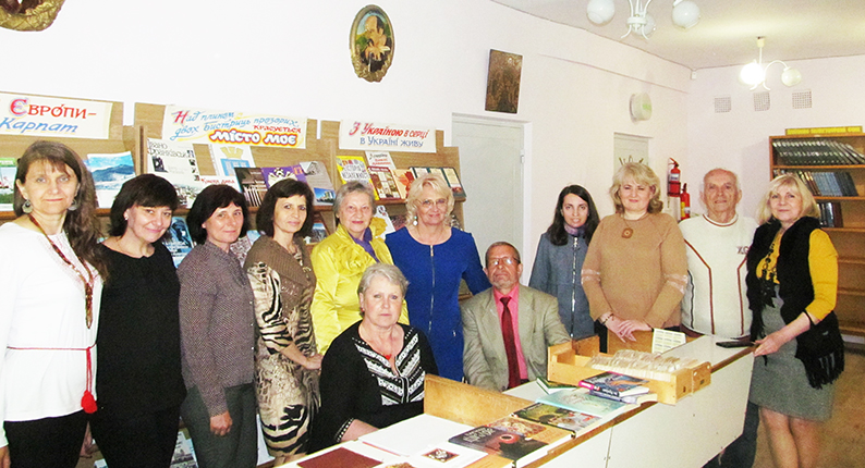 Під час перебігу творчої майстерні «Об'єднаних словом» у бібліотеці-філії №1 Івано-Франківської міської ЦБС.