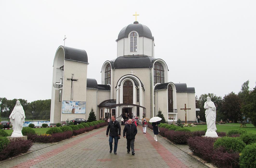 Храм Святого Вознесіння Господнього УГКЦ – духовне осердя селища.